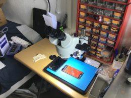 le microscope en action